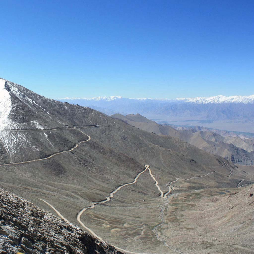 Top 10 Mountain Passes in Himalayan Region